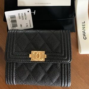 CHANEL Le boy wallet. New never used.